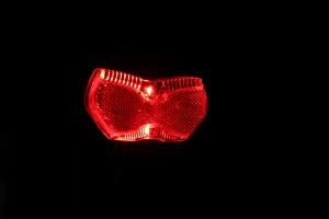 Busch & Müller Toplight View brake plus - leuchtend schräg